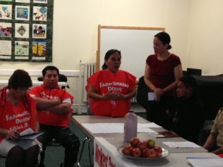 Sonia Bravo, Workers' Center member asks Senator Valesky to vote yes for legislation that would grant equal rights to farmworkers in NY State.