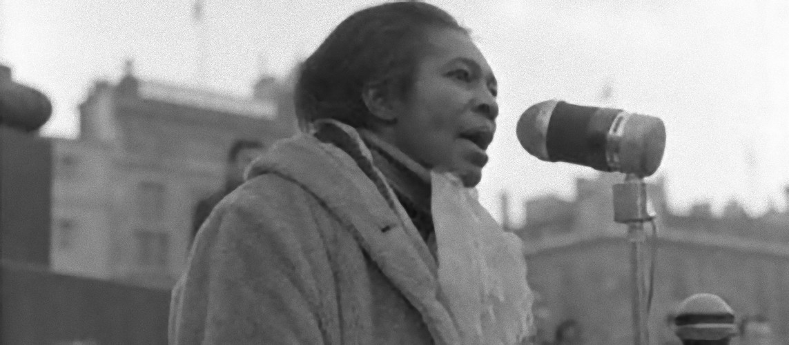 claudia jones at the mic_e